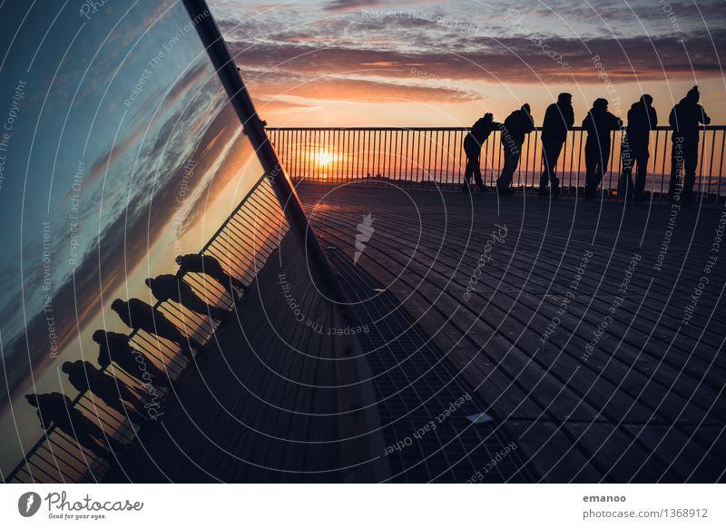 Midnight sun Lifestyle Ferien & Urlaub & Reisen Tourismus Ferne Freiheit Sightseeing Sommer Mensch 6 Menschengruppe Himmel Reykjavík Island Europa Fassade