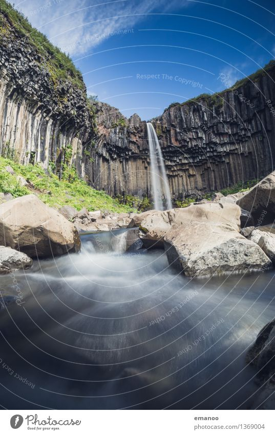 Svartifoss Ferien & Urlaub & Reisen Tourismus Ausflug Ferne Expedition Insel Berge u. Gebirge wandern Natur Landschaft Wasser Felsen Vulkan Schlucht Bach Fluss