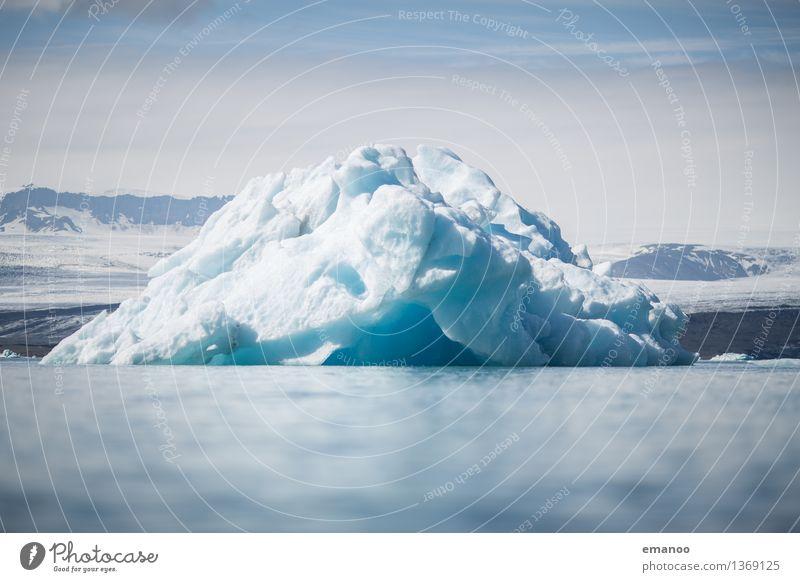 Eisberg Ferien & Urlaub & Reisen Tourismus Abenteuer Natur Landschaft Urelemente Wasser Himmel Horizont Klima Klimawandel Frost Berge u. Gebirge
