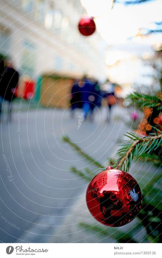 a'ufghängt is Stadt Weihnachten & Advent rot Feste & Feiern Zufriedenheit Ausflug Lebensfreude Weihnachtsbaum Weihnachtsmann Christbaumkugel