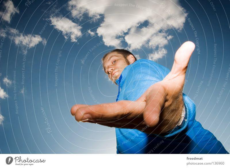 blaumann Himmel Mann Jugendliche blau Hand schön Wolken Farbe Gesicht Stil hell Arme Mund maskulin Nase Finger
