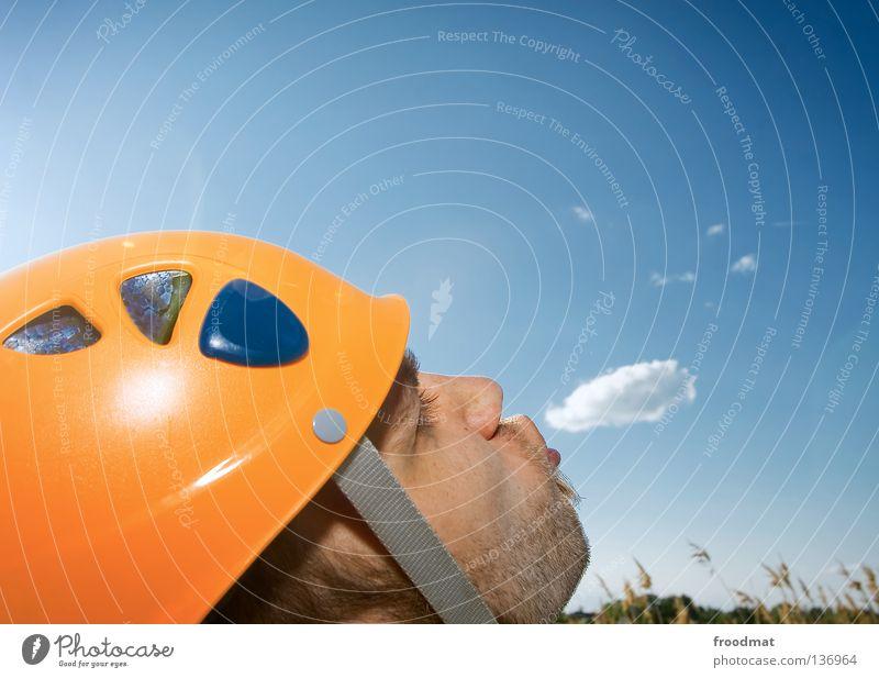 ich glaub mich... Mann Natur Himmel blau Sommer Freude Wolken Wiese Spielen Gras lachen Kopf Wärme Luft orange lustig