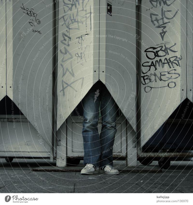 kokon Mensch Mann Architektur klein Beine Schuhe Raum Fassade Lifestyle Flügel Bekleidung Schutz Insekt Jacke Hose eng
