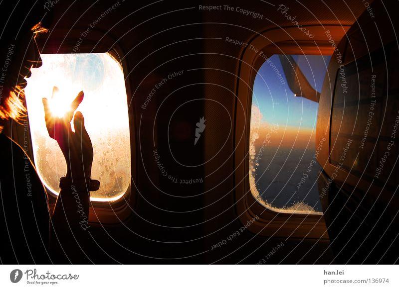 Nr. 50 - Touch the Sky Frau Himmel Jugendliche blau Hand schön Ferien & Urlaub & Reisen Sonne Freude ruhig Erwachsene Erholung Fenster oben Erde Stimmung