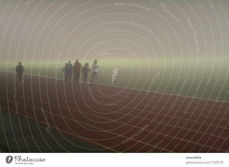 nebellauf IV Mensch dunkel Herbst Sport Gesundheit Treppe Nebel Kraft mehrere laufen Streifen Eisenbahn Rasen Geländer Strahlung