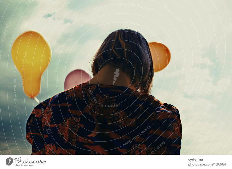 Scheiden tut weh Frau Mensch Himmel rot Freude Blume Wolken Spielen Freiheit Gefühle Stil Traurigkeit Stimmung Wind elegant Hintergrundbild