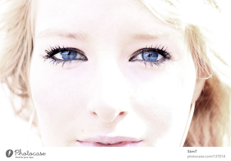 Tief wie der Ozean Frau blau weiß schön rot Meer Auge Erde träumen hell blond rosa außergewöhnlich süß Lippen fantastisch