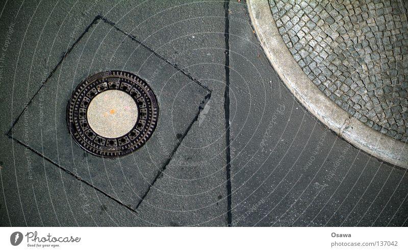 Kunst braucht keine Künstler schwarz Straße grau Wege & Pfade Beton Kreis Ecke Asphalt Grenze Bürgersteig Verkehrswege Kurve Kopfsteinpflaster Trennung Gully
