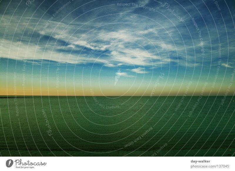Horizontale Elemente Wolken Meer Wasser Himmel Sonnenuntergang See Wellen Licht dunkel Smaragd grün Strand Küste air sky Schatten Teile u. Stücke türis blau