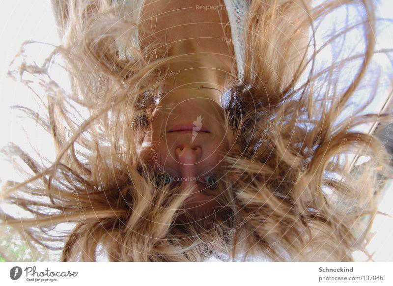 Haarpracht Frau Himmel blau Baum Sonne Ferien & Urlaub & Reisen Sommer Freude Wolken Gesicht Auge Wiese Haare & Frisuren See Regen Mund
