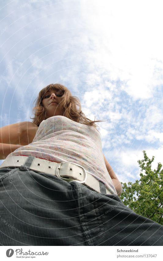 Wiesen-Perspektive Frau Baum Sonne Ferien & Urlaub & Reisen Sommer Freude Wolken Erholung Wiese Garten Feld Partnerschaft Gürtel Zwerg Koloss