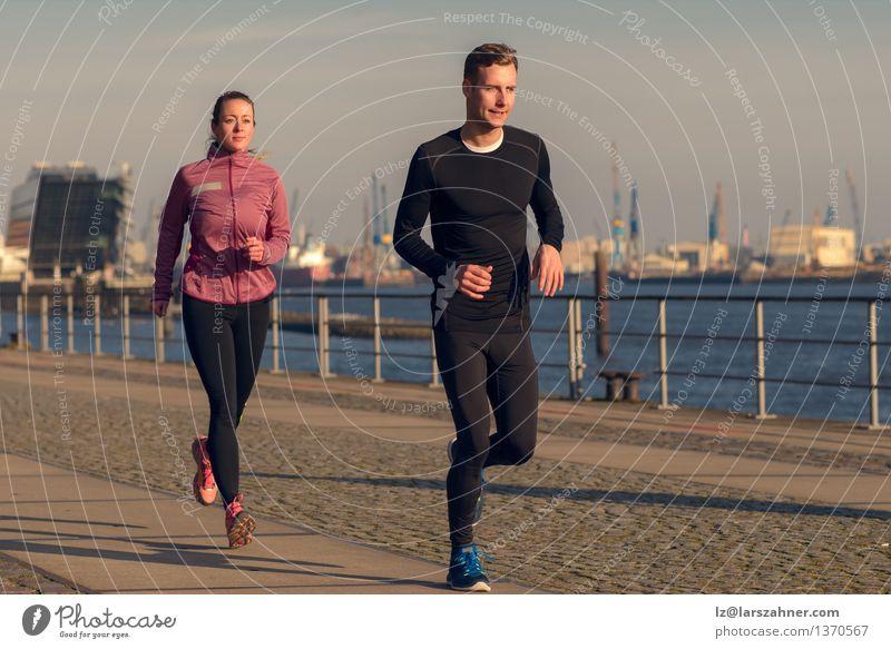 Mensch Frau Jugendliche Mann Erholung 18-30 Jahre Gesicht Erwachsene Sport Lifestyle Paar Aktion Fitness Hafen sportlich Partner
