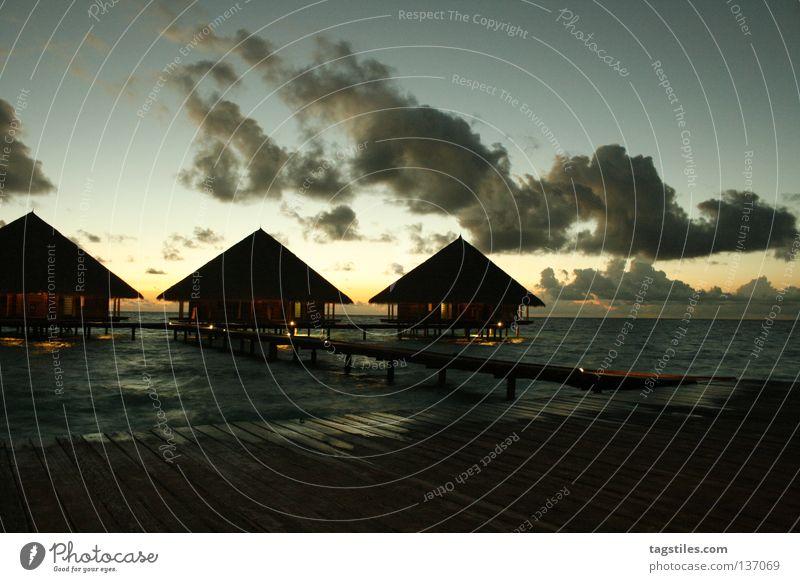GOOD EVENING RANNALHI Sonne Meer Sommer Ferien & Urlaub & Reisen Leben Erholung Abend Asien gut Häusliches Leben Steg Indien Abenddämmerung Malediven