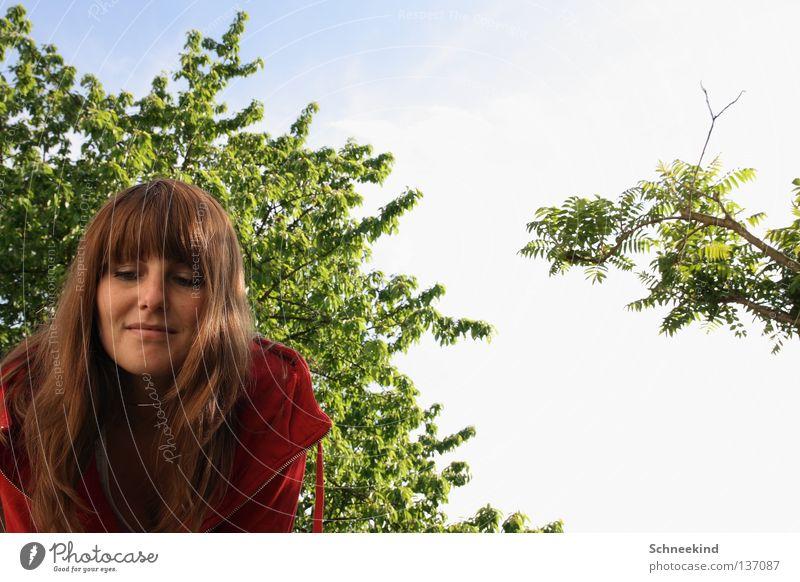 Im_Garten Frau Himmel blau Baum Sonne Ferien & Urlaub & Reisen Sommer Wolken Gesicht Wiese Haare & Frisuren See Park Regen Mund