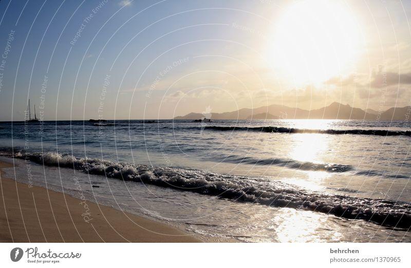 vorfreuen Ferien & Urlaub & Reisen schön Sommer Meer Wolken Ferne Strand Berge u. Gebirge Küste außergewöhnlich Freiheit Schwimmen & Baden Felsen Tourismus frei