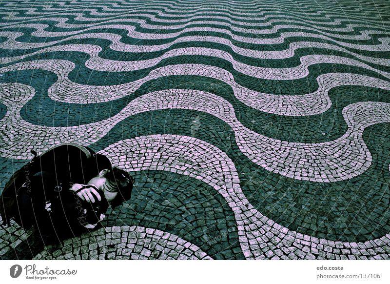 Onde Lissabon Portugal Tanzfläche Detailaufnahme Europa Frau Lisbona Place Woman waves architecture