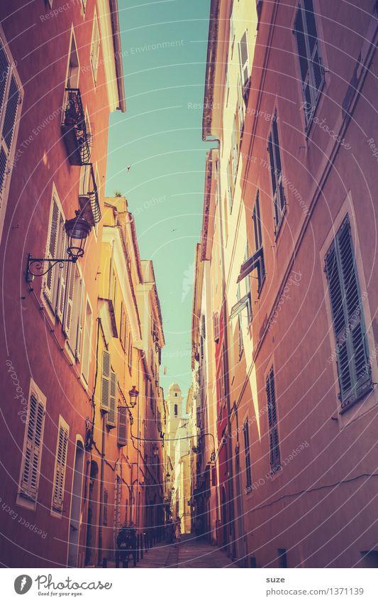 In den Gassen von Bastia Himmel Ferien & Urlaub & Reisen Stadt alt schön Sommer Haus Fenster Reisefotografie Wärme Fassade Europa Kultur einzigartig Fußweg