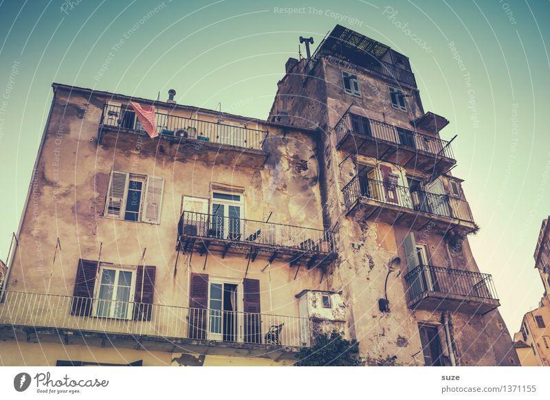 Ranklotzer Ferien & Urlaub & Reisen Stadt alt Sommer Haus Fenster Reisefotografie Leben Architektur Gebäude außergewöhnlich Zeit Fassade fantastisch Europa