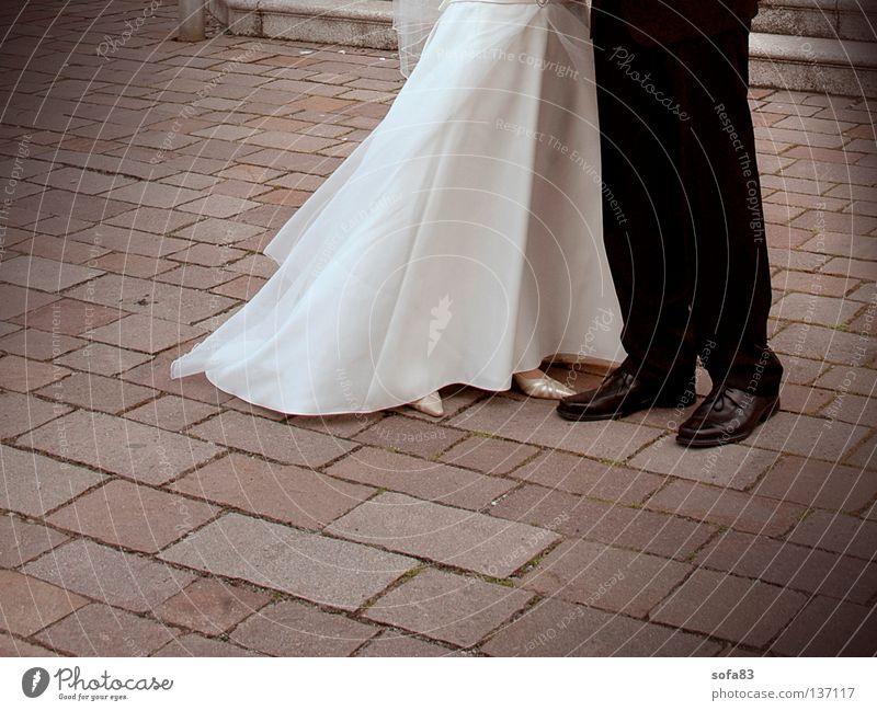 traumpaar Hochzeit Braut Bräutigam Hochzeitspaar Liebespaar fertig Hose Zusammensein Paar päarchen Religion & Glaube kirchlich Beine beinkleid Stein
