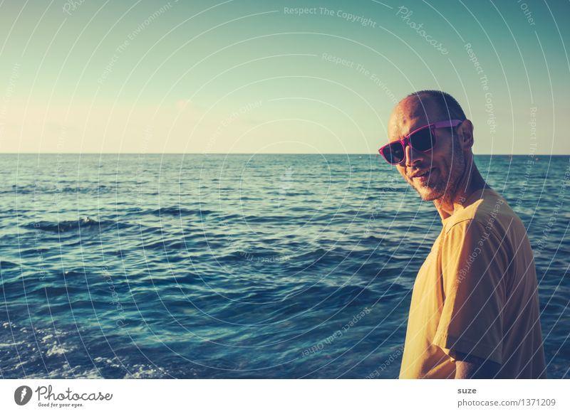 Komm' mit, ich zeig dir den Sommer Mensch Ferien & Urlaub & Reisen Jugendliche Mann blau Sommer Meer Erholung Erotik Junger Mann Freude Strand 18-30 Jahre Erwachsene Leben lustig