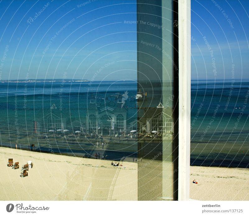 Seebrücke Sellin Wasser Himmel Meer blau Sommer Strand Ferien & Urlaub & Reisen Fenster Sand Wasserfahrzeug Küste Glas Tourismus Romantik Ostsee Fensterscheibe
