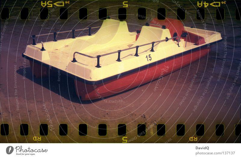 spaceship landing Wasser Meer Sommer Freude Strand Bewegung Wasserfahrzeug Filmmaterial Ziel Flugzeuglandung Ostsee kommen treten Kahn Tretboot