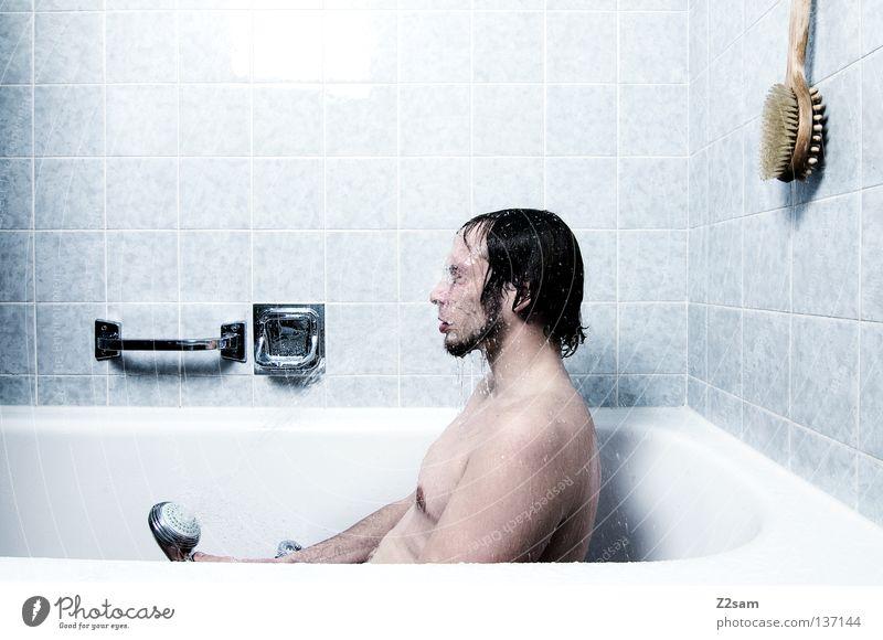 KATERMORGEN Mensch Mann Natur Wasser blau kalt Stil Arme maskulin nass sitzen frisch Bad kaputt einfach Sauberkeit