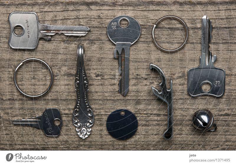 Schlüsselbund - Super Stilllife Häusliches Leben eckig kalt Genauigkeit Identität einzigartig Ordnung Präzision stagnierend Schlüsselanhänger Schmuckanhänger