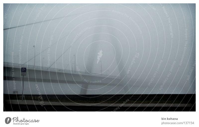 unendlichkeit Himmel Wasser Wolken Straße dunkel Herbst grau Regen gehen nass Nebel Wassertropfen Brücke Asphalt feucht Aussicht