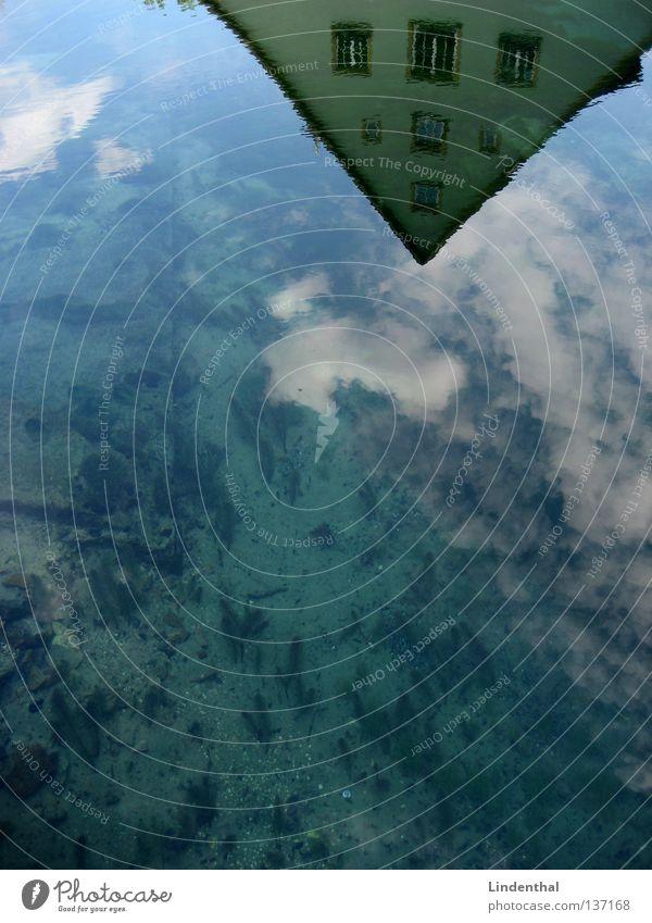 Wasserspiegel See Oberfläche Spiegel Haus Wolken Reflexion & Spiegelung Himmel Bodenbelag