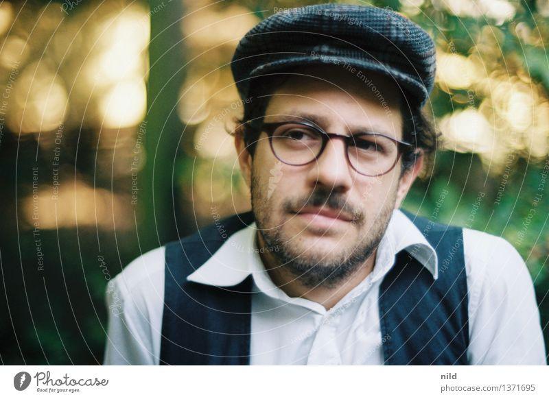 zuhören Mensch maskulin Mann Erwachsene Kopf Gesicht 1 18-30 Jahre Jugendliche 30-45 Jahre Mode Bekleidung Hemd Weste Brille Mütze Bart Dreitagebart beobachten