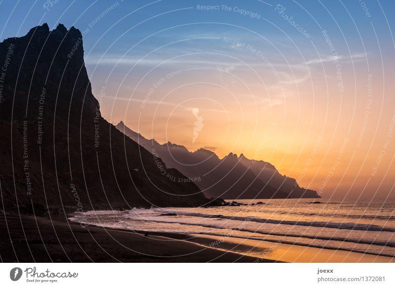 Länger bleiben Sommerurlaub Sonne Meer Landschaft Himmel Horizont Sonnenaufgang Sonnenuntergang Schönes Wetter Berge u. Gebirge Wellen Küste Strand Insel