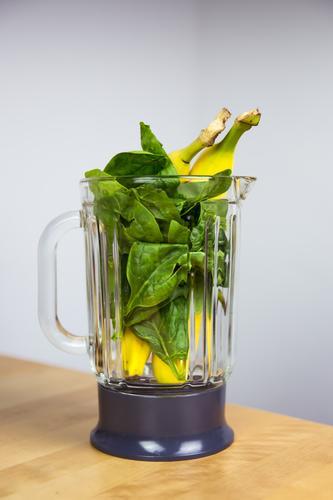 Spinat-Bananen-Smoothie (kurz vorher) grün Gesunde Ernährung Leben Essen Gesundheit Lebensmittel frisch Fitness Getränk Küche Wellness lecker Wohlgefühl