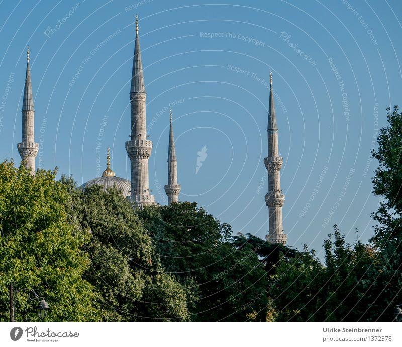 Minarette 1 Ferien & Urlaub & Reisen Tourismus Sightseeing Städtereise Istanbul Türkei Stadtzentrum Bauwerk Gebäude Architektur Moschee Turm Sehenswürdigkeit