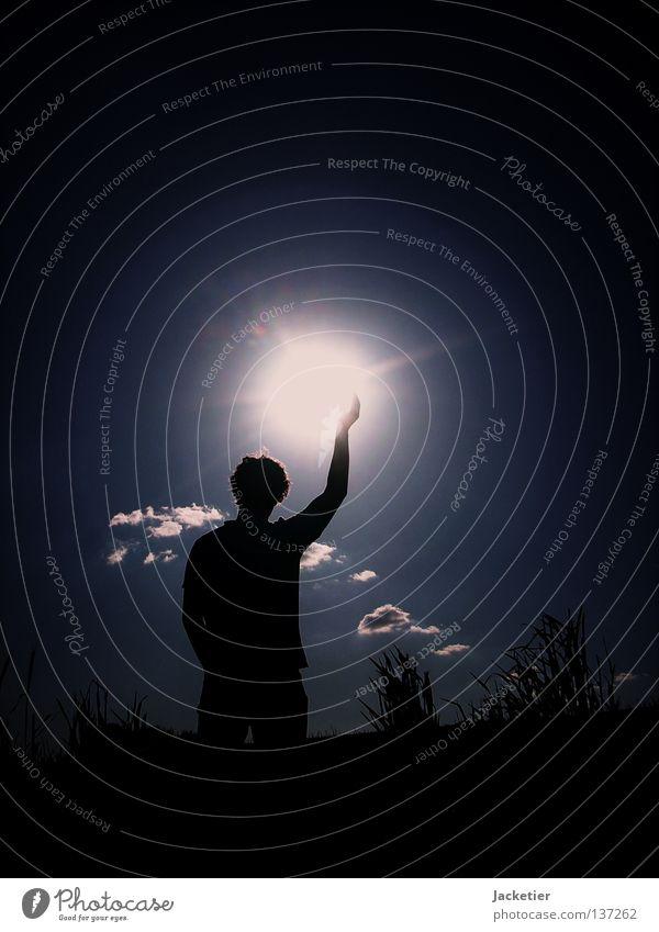 Der Mann der mit der Sonne tanzt! Wolken himmelblau Sommer Kommunizieren Himmel Locken Korn darkness Jugendliche