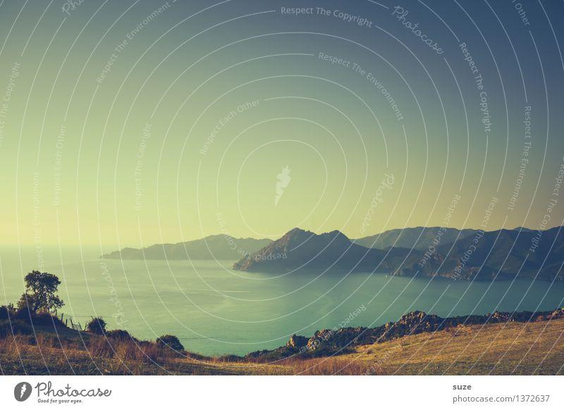 Blick aufs Wesentliche Himmel Natur Ferien & Urlaub & Reisen schön Meer Landschaft Einsamkeit ruhig Reisefotografie Berge u. Gebirge Küste Freiheit träumen