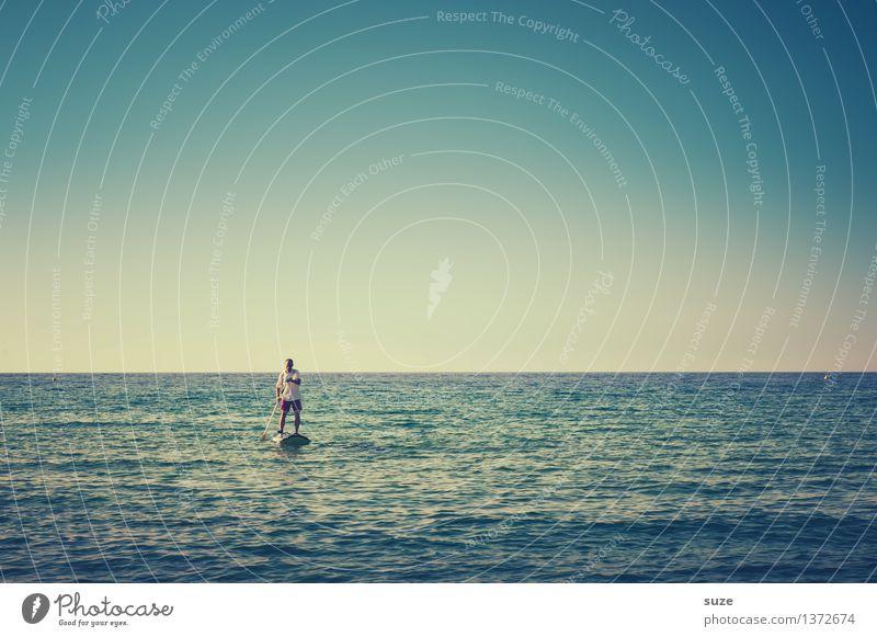 Mach jetzt bloß keine Welle Mensch Himmel Natur Ferien & Urlaub & Reisen Jugendliche blau Sommer Wasser Meer Junger Mann Freude kalt Erwachsene Leben Stimmung Horizont