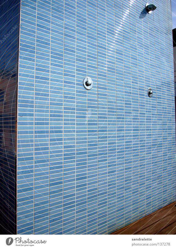 La ducha blau Sommer Freude Ferien & Urlaub & Reisen Sauberkeit Hotel Fliesen u. Kacheln Spanien Dusche (Installation) Barcelona Wasserhahn Hahn