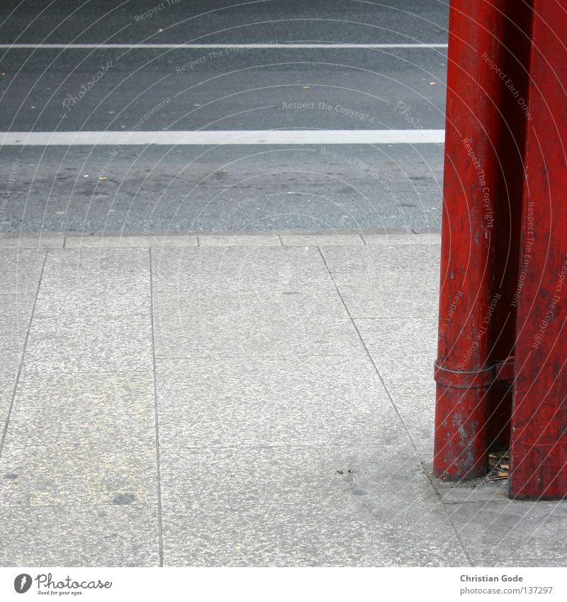 Rot Weiss Bushaltestelle fahren Verkehr Beton hart Asphalt Stahl Eisen Bürgersteig Mittelstreifen Regel rot Graz schwarz weiß gehen Fußgänger wettergeschützt