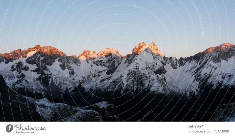 Alpenglüh`n Umwelt Natur Landschaft Himmel Wolkenloser Himmel Sonne Sonnenlicht Sommer Herbst Schönes Wetter Schnee Hügel Felsen Berge u. Gebirge Gipfel