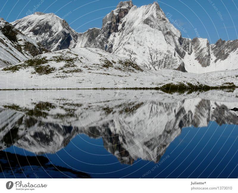 Spiegelbild Umwelt Natur Landschaft Wasser Himmel Wolkenloser Himmel Sommer Herbst Klima Wetter Schönes Wetter Eis Frost Schnee Hügel Felsen Alpen