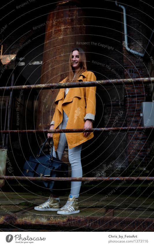 chris_by_fotoart Mensch Frau Jugendliche Junge Frau Freude Erwachsene natürlich feminin Glück 13-18 Jahre stehen Fröhlichkeit Lächeln Lebensfreude