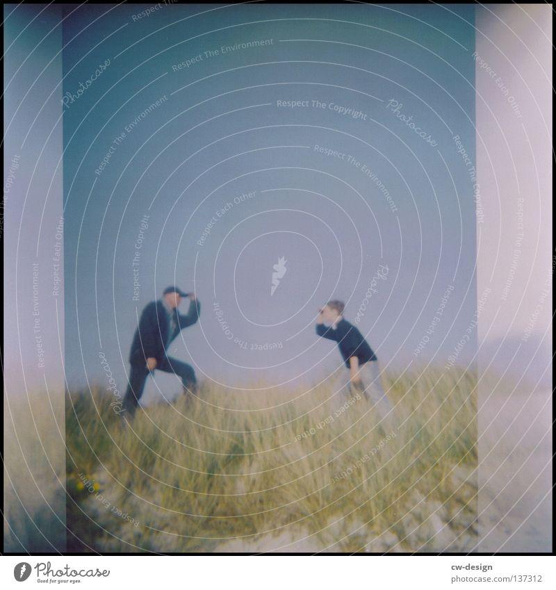 hOlGa | to take a look around III Holga mehrfarbig Aussicht Deich Küste Gras Schilfrohr Hiddensee Sommer Wellen Strand schwarz Am Rand Gischt Anlegestelle Mole