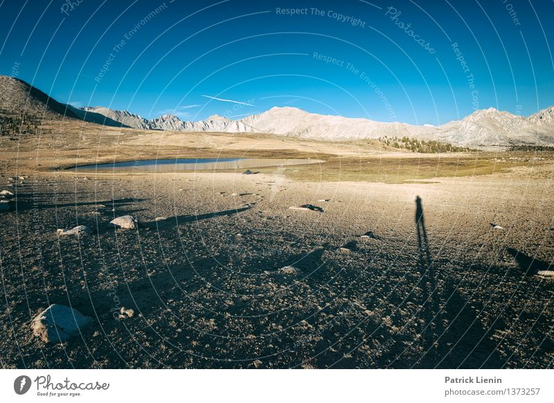 Schatten-Selfie Mensch Himmel Natur Ferien & Urlaub & Reisen Mann Erholung Landschaft ruhig Ferne Erwachsene Berge u. Gebirge Umwelt Freiheit Sand maskulin