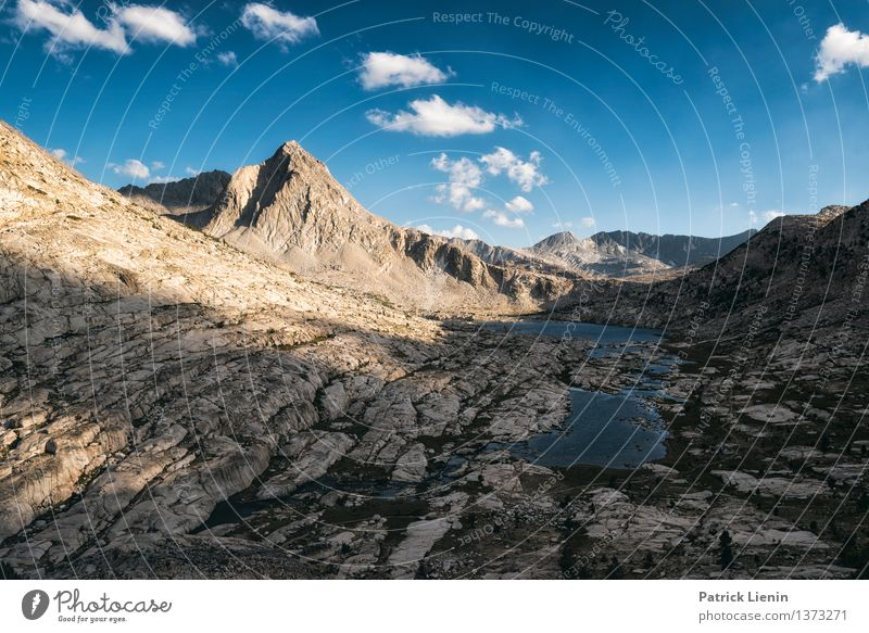 High Sierra Ferien & Urlaub & Reisen Sommer Erholung Wolken ruhig Ferne Berge u. Gebirge Lifestyle Freiheit See Felsen Tourismus Zufriedenheit wandern Ausflug