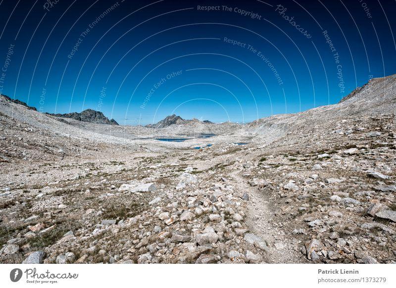 Aufstieg Himmel Natur Ferien & Urlaub & Reisen Sommer Erholung Landschaft ruhig Ferne Berge u. Gebirge Umwelt Gesundheit Freiheit Stimmung Felsen Zufriedenheit Wetter