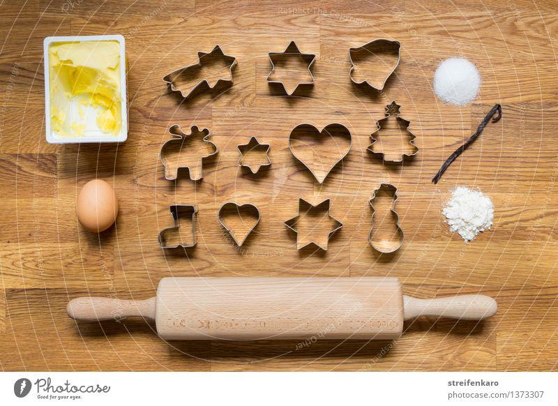 Weihnachtsbäckerei I Teigwaren Backwaren Süßwaren Mehl Zucker Zimt Butter Ei Freizeit & Hobby Nudelholz Plätzchen ausstechen Figur Essen lecker süß Freude