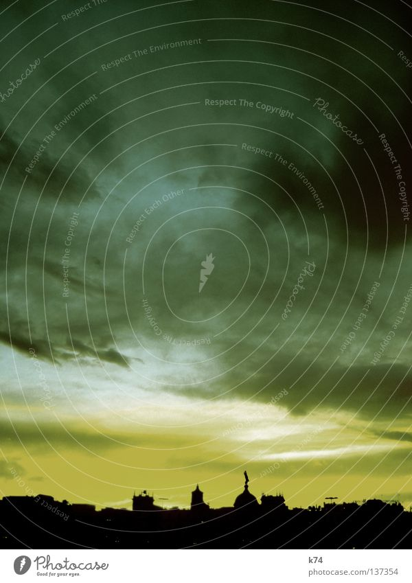 GOTICO Himmel grün Stadt Sonne Wolken Haus gelb Religion & Glaube Wetter Wind Skyline Barcelona Kuppeldach