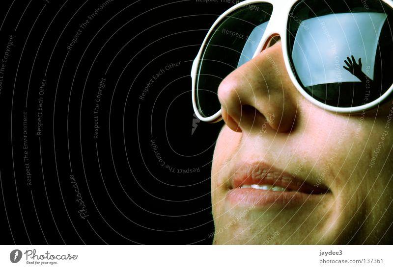 Bild im Bild Brille Pornobrille Hand Softbox Licht schwarz Reflexion & Spiegelung Nahaufnahme Fröhlichkeit Jugendliche Gesicht Freude Nase lachen Glück Coolness