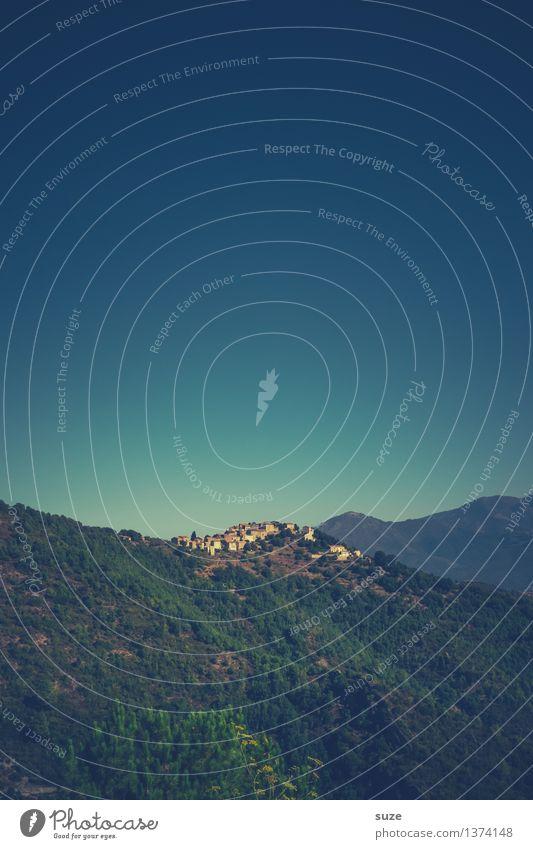 Weiter weg Himmel Natur Ferien & Urlaub & Reisen Sommer Landschaft Einsamkeit Berge u. Gebirge Reisefotografie Umwelt Leben Zeit Wachstum Erde malerisch Ziel Sehnsucht
